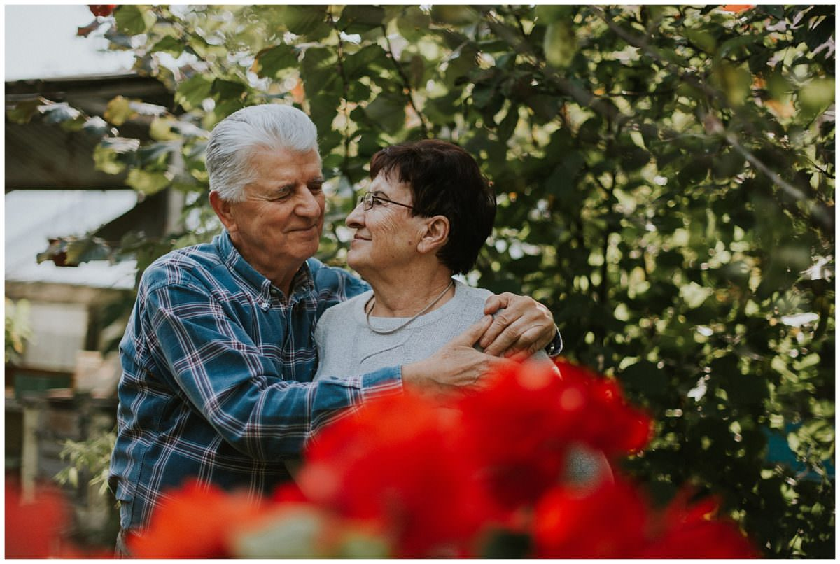 elderly couple in love session